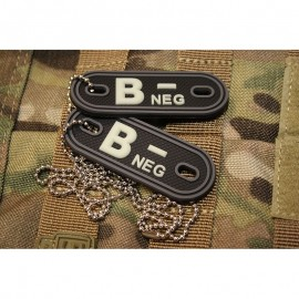 JTG DOG TAGS BLOODTYPE B NEG. GLOW IN THE DARK